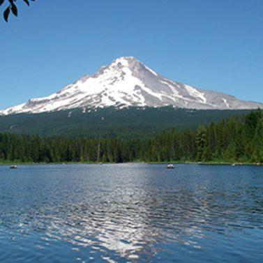 https://vintagetourbus.com/wp-content/uploads/2014/05/Mt-Hood-Trillum-Lake-377x377-1-377x377.jpg