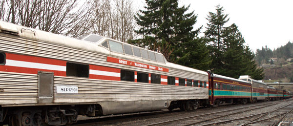 https://vintagetourbus.com/wp-content/uploads/2016/03/Mt-hood-Train-600x258.jpg